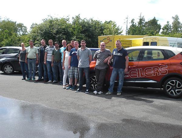 Die Mitarbeiter vom Autohaus Eilers lernten ihr Auto beim Fahrsicherheitstraining besser kennen